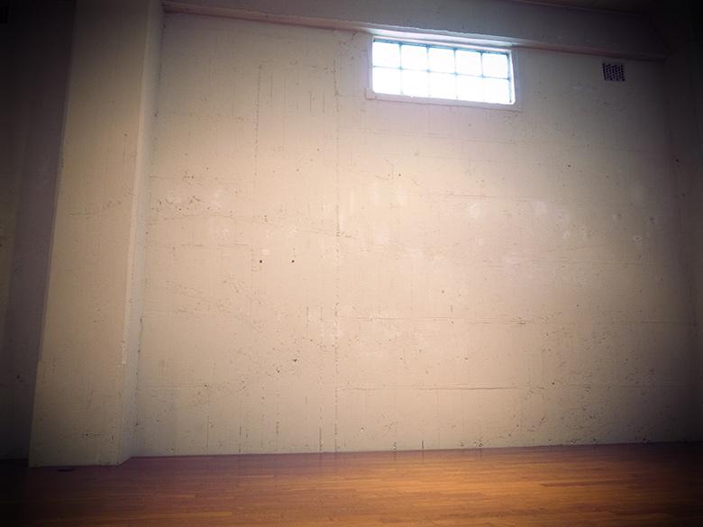 BankARTの天井が高く壁も広く好き